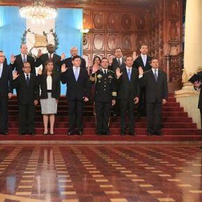 Presidente Morales juramenta a suGabinete