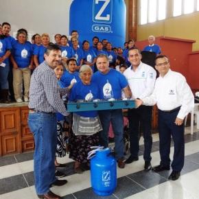 Zeta Gas dona kits decocina