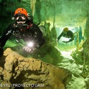 Cueva inundada, la más grande delmundo