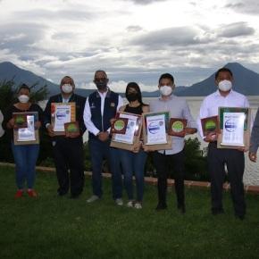 Entregan Sello de Bioseguridad turística en Quetzaltenango ySololá